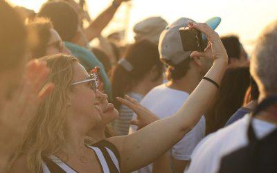 Kényszeres selfie készítés, avagy a selfitizmus rövid áttekintése